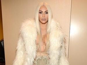 Kim Kardashian Ungkap Rahasia Cegah Kulit Keriput