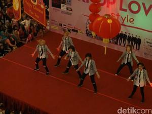 Heboh! Fans Ramaikan KPop Love Style di Mangga Dua Square