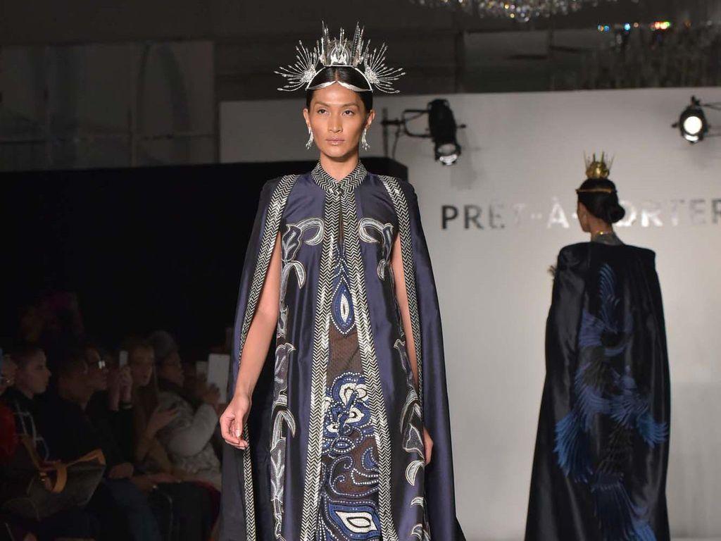 Denny Wirawan Tampilkan Batik Kudus di Fashion Gallery New York Fashion Week