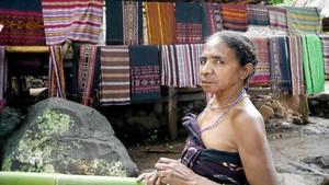 Lebih Dekat dengan Penghuni Kampung Tradisional di Alor