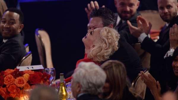 Aww, Mesranya Gwen Stefani dan Blake Shelton di Pre-Grammy 2016