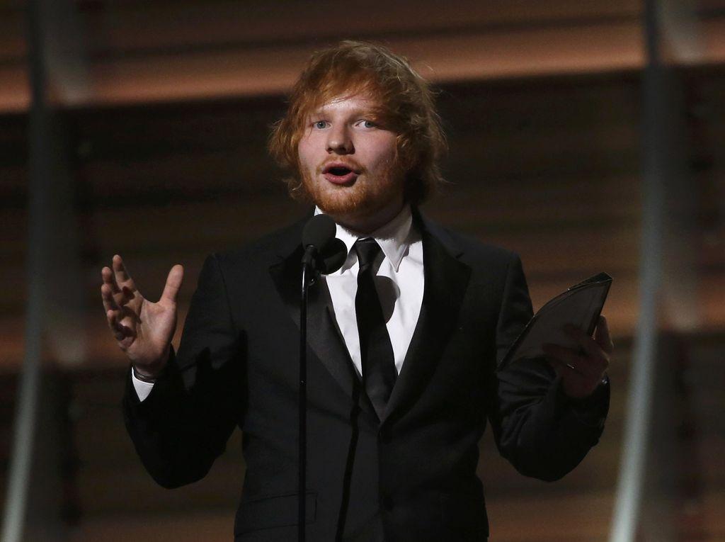 Ed Sheeran Bersuara Soal Lagu Taylor Swift yang Diduga Tentang Dirinya