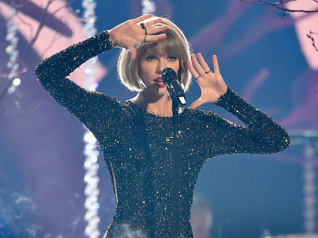 Pesona Taylor Swift Buka Grammy 2016