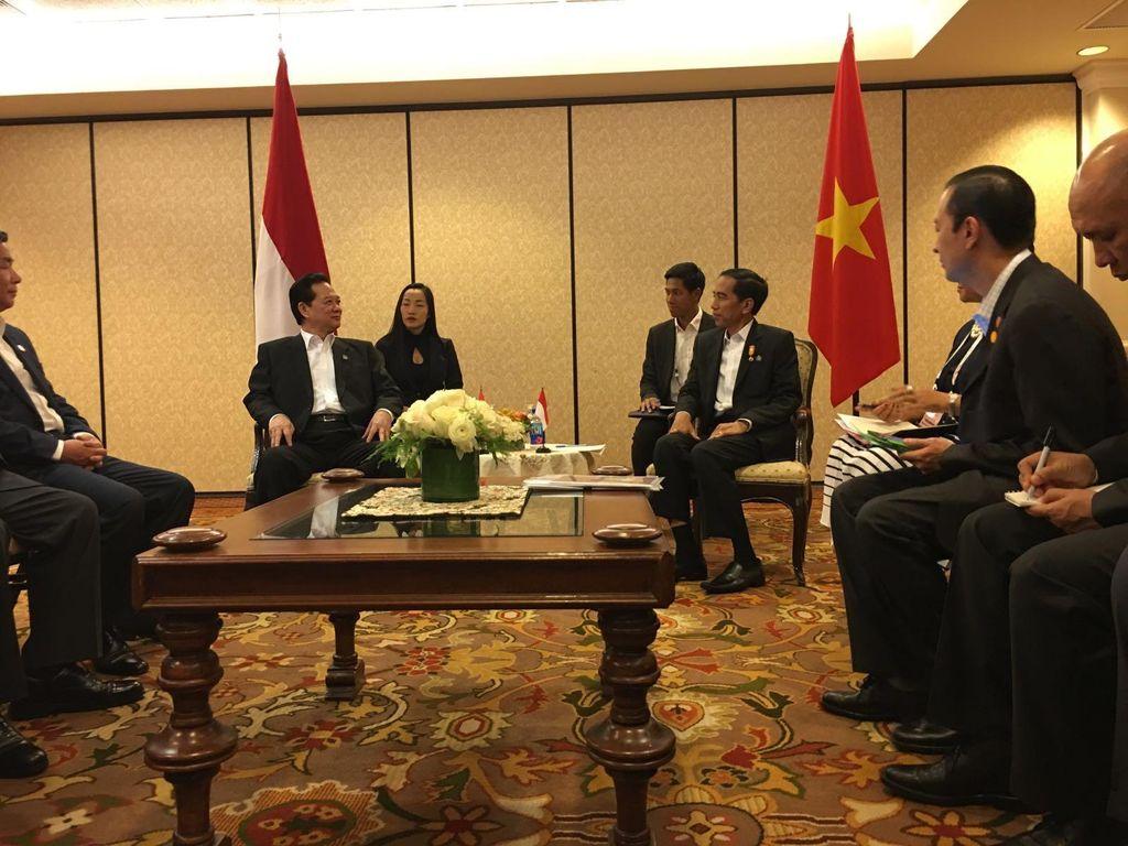 Bertemu PM Vietnam, Jokowi Bahas Kerjasama Batas Maritim