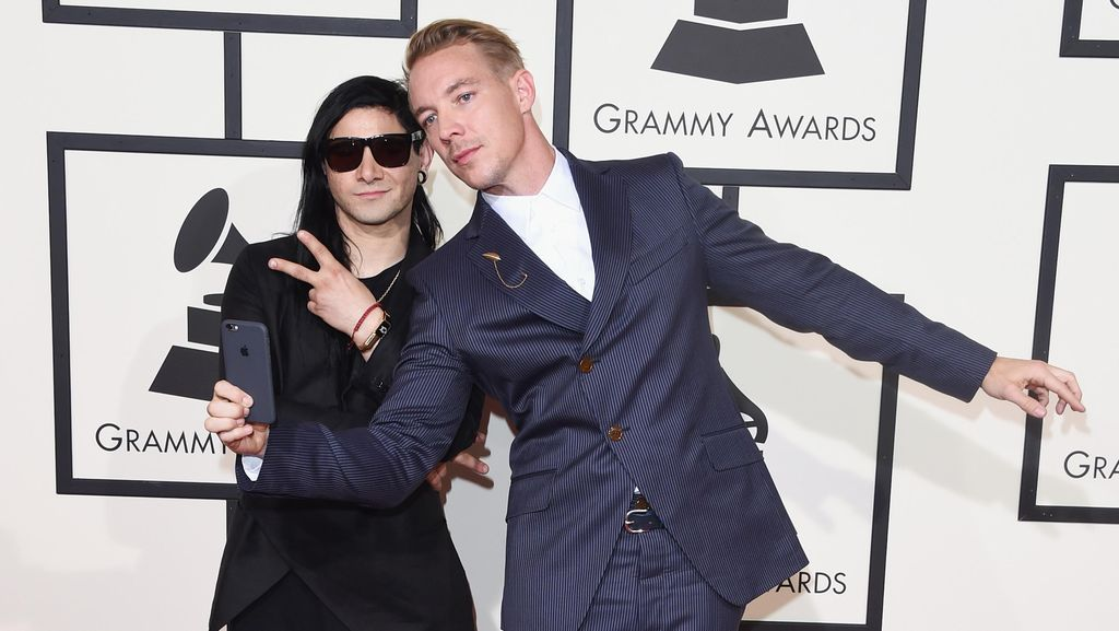 Parade Selebriti di Red Carpet Grammy Awards 2016 (2)