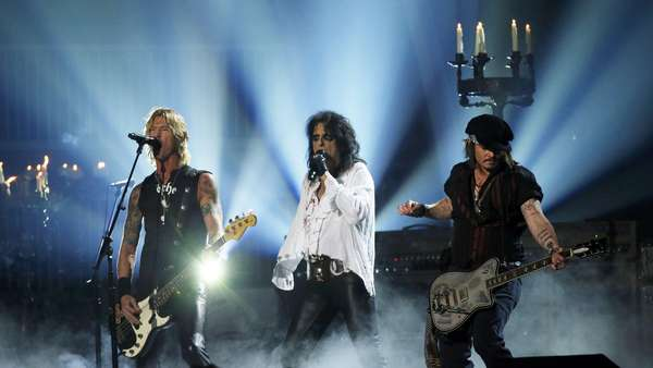 Hollywood Vampires Guncang Panggung Grammy 2016