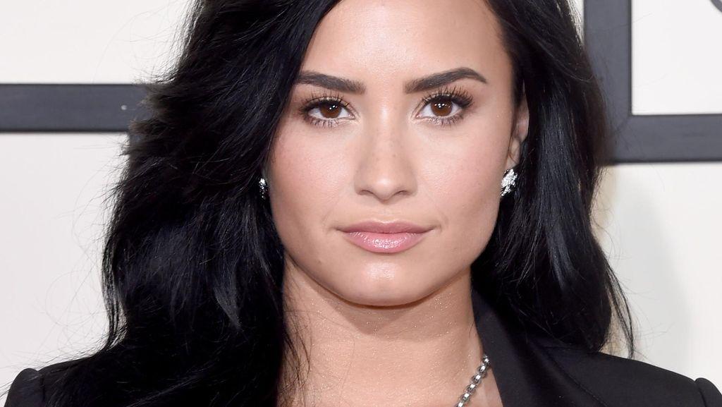 Lewat Foto Pengidap Gangguan Jiwa, Demi Lovato Kampanye Kesehatan Jiwa