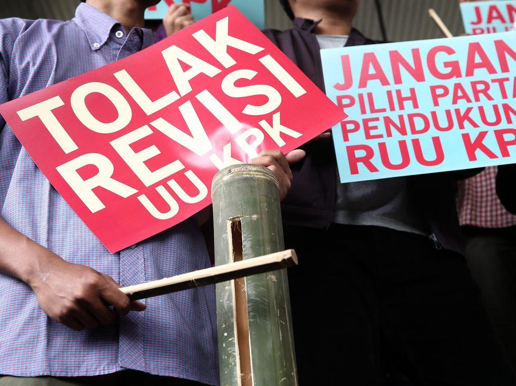 Demo Mahasiswa Tolak Pelemahan KPK di Bintan Ricuh