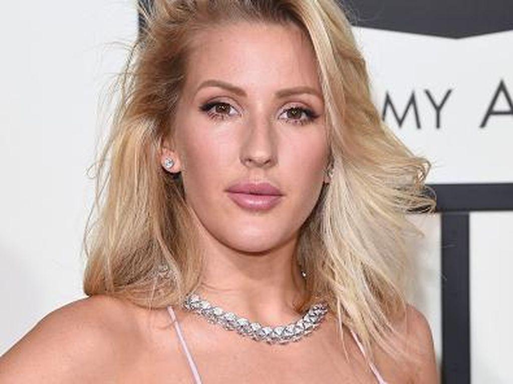 Riasan 7 Selebriti dengan Lipgloss Nude di Karpet Merah Grammy Awards