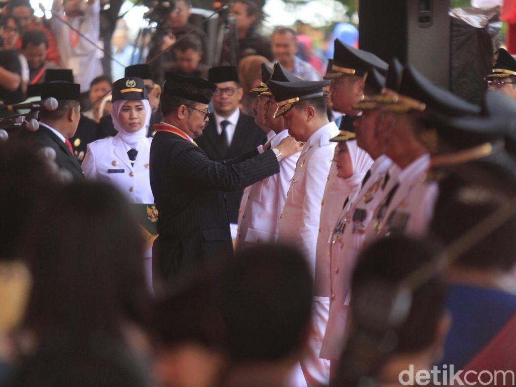 Gubernur Sulsel Lantik 10 Bupati dan Wakil Bupati