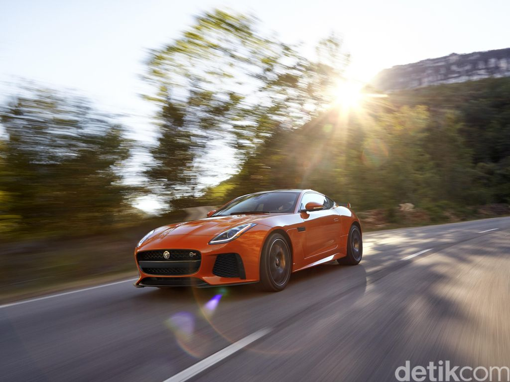 Saingi Porsche 911, Jaguar F-Type Bakal Memiliki 4 Penumpang