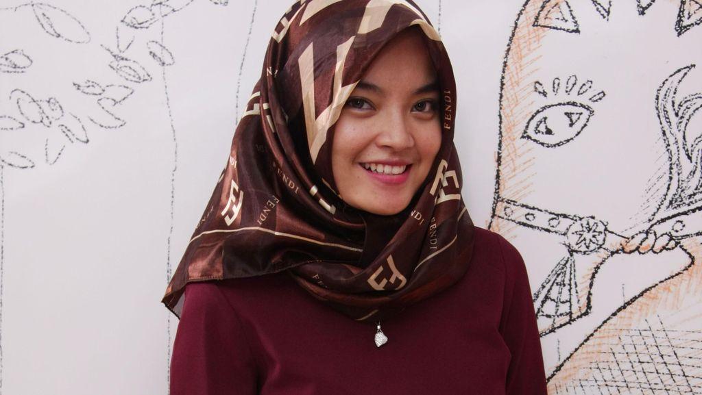 Mayang Faluthamia, Staff Ahli Anggota DPR yang Makin Populer Pasca Hijab Hunt