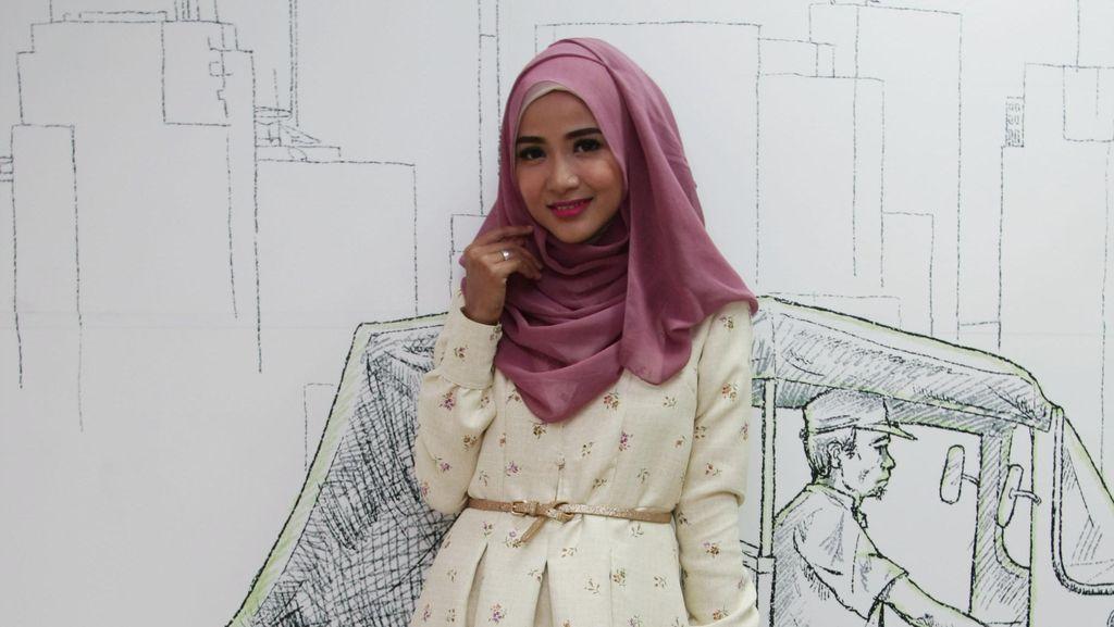 Cerita Ussiy Fauziah dari Ikut Hijab Hunt 2012 Hingga Kini Jadi Penyanyi