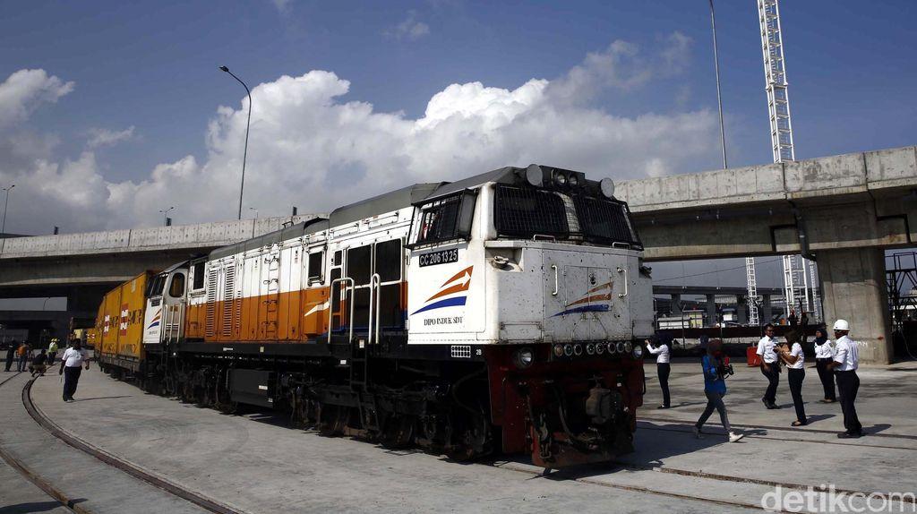 Mulai 14 Januari, Kereta Peti Kemas Gedebage-Tanjung Priok Jalan 2 Kali/Hari