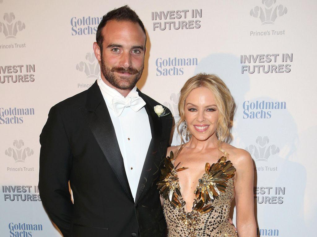 Kylie Minogue Resmi Tunangan dengan Pria 19 Tahun Lebih Muda