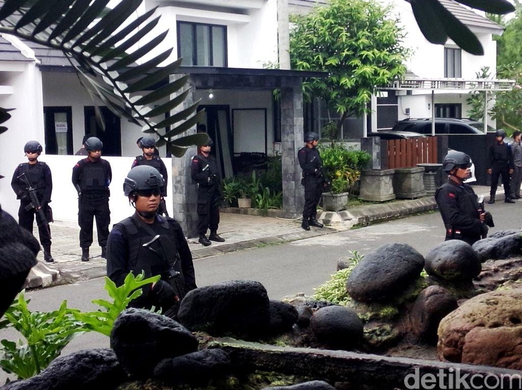 Rumah Terduga Teroris di Malang Dijaga Ketat