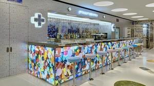 Restoran <i>Pharmacy</i> Karya Seniman Damien Hirst Kembali Dibuka