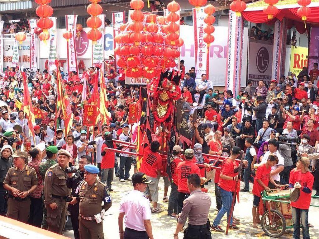 Melihat Kemeriahan Perayaan Cap Go Meh dan Karnaval Tatung di Singkawang