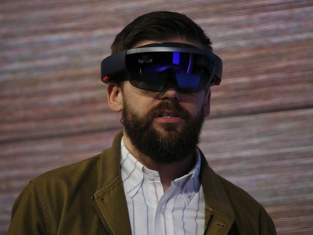 Nasib HoloLens Masih Buram