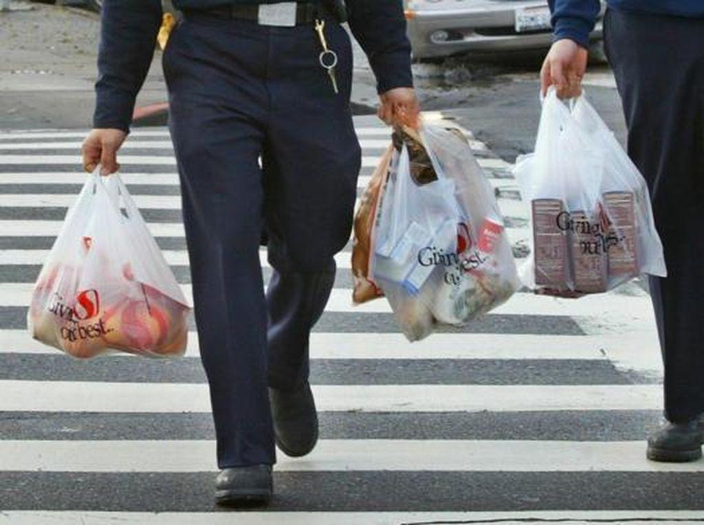 Alasan Kamu Harus Mulai Diet Kantong Plastik, Sudah Lakukan Belum?