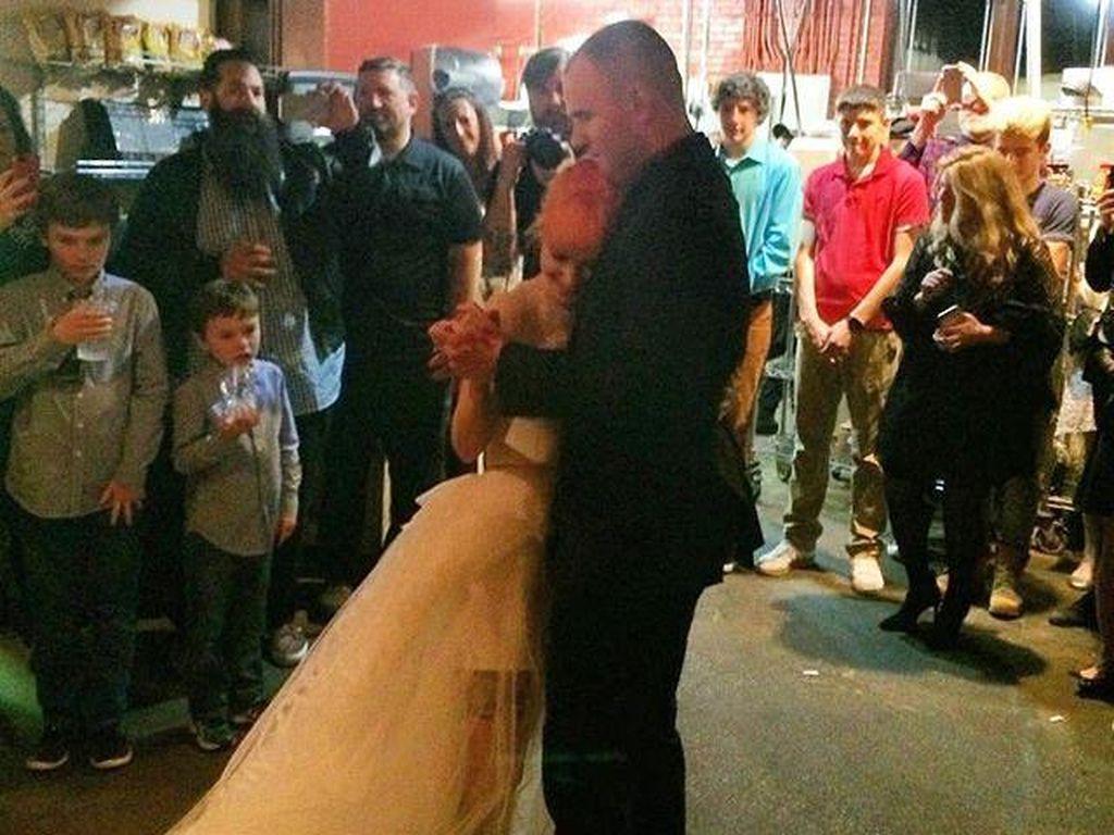 Congrats! Hayley Williams Resmi Nikah dengan Gitaris New Found Glory