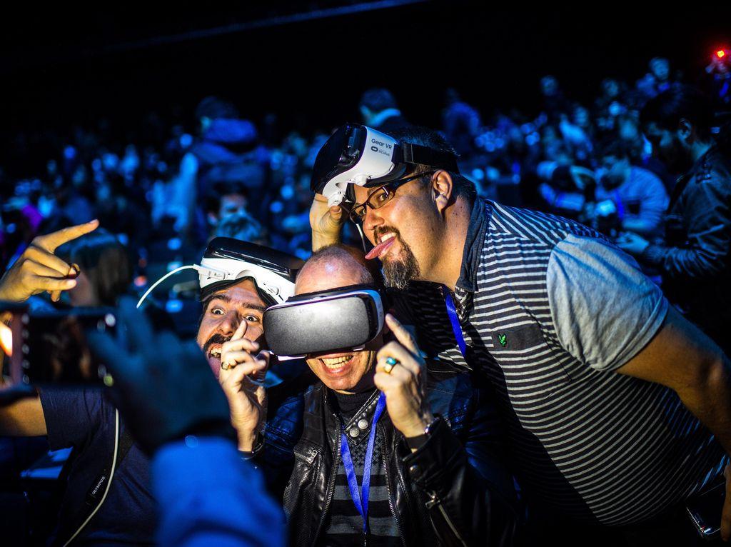 Zuckerberg: Virtual Reality Butuh 10 Tahun untuk Populer