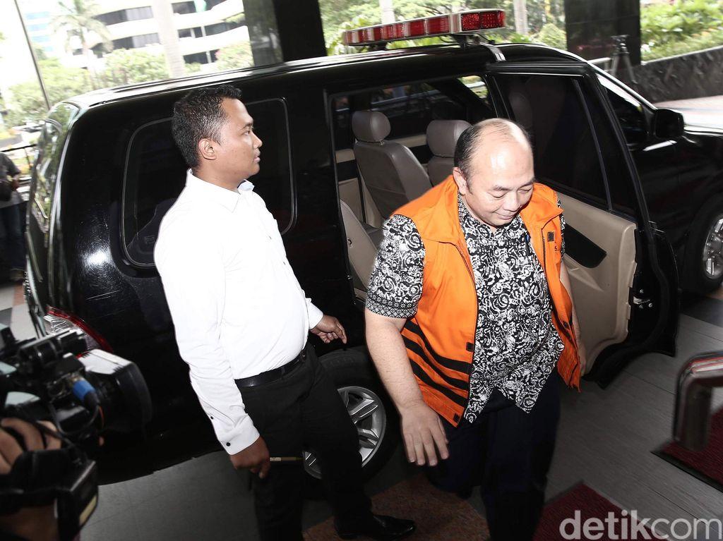 KPK Kroscek Barbuk Hasil Geledah Pejabat MA