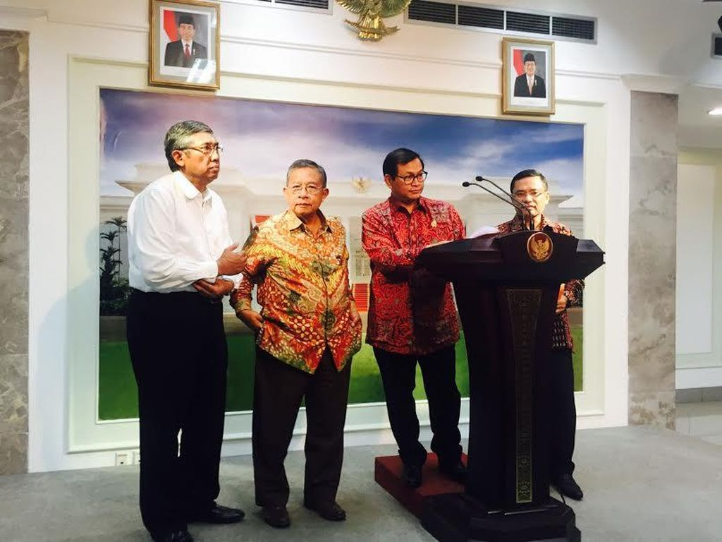 Presiden Sangat Keras Memaksa Kementerian dan BUMN Beli Produk Dalam Negeri