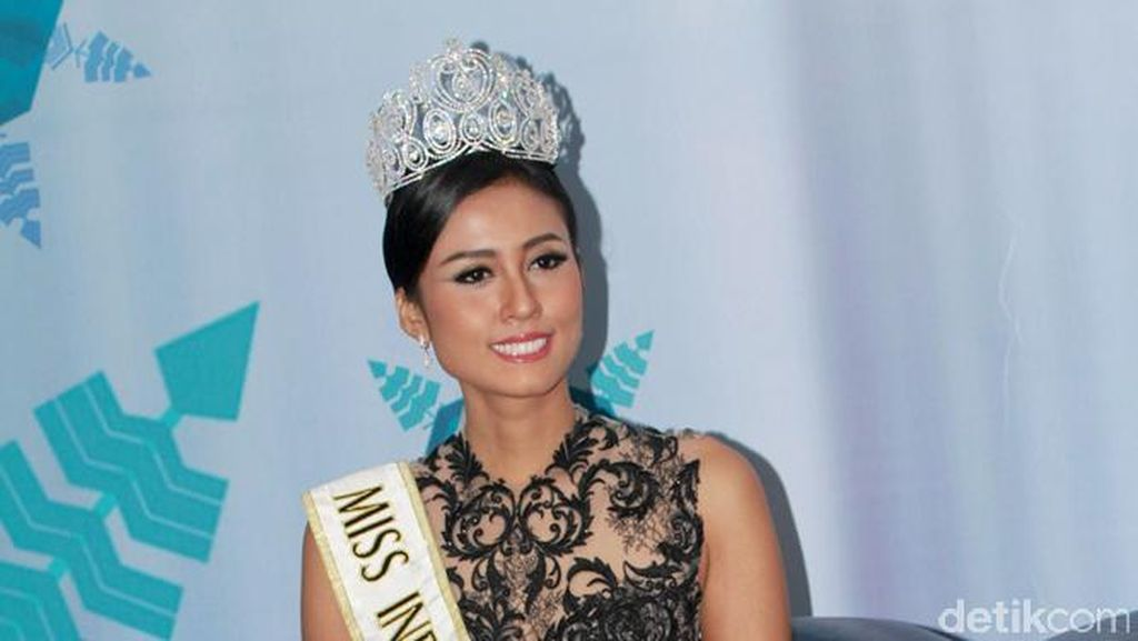 Penampilan Miss Indonesia 2015 dan Miss World 2015