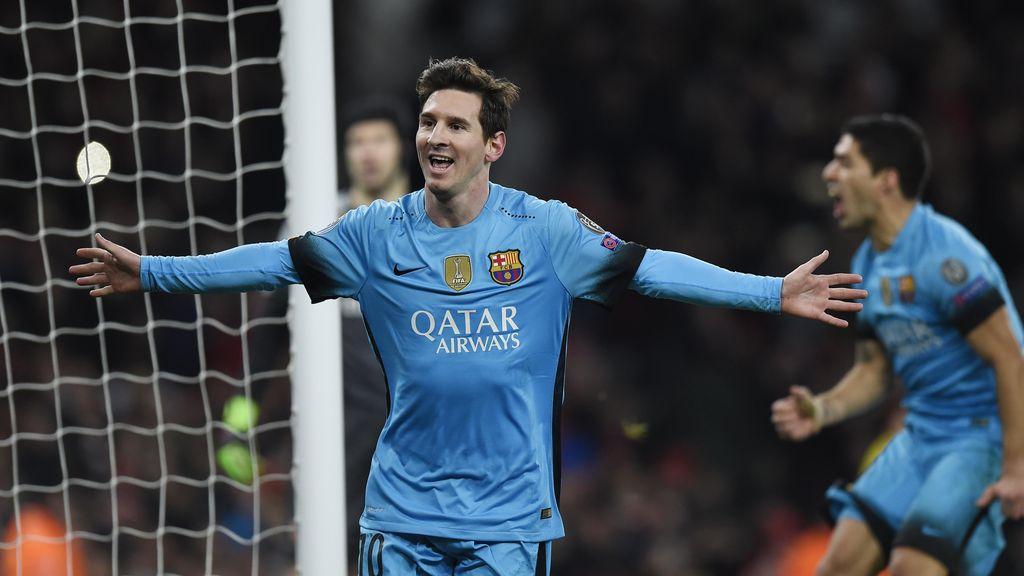 Dua Gol Messi Hancurkan Arsenal