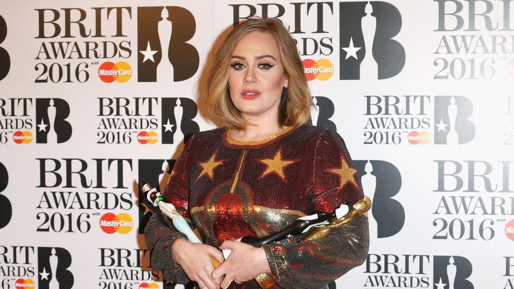 Adele Mengaku Wajahnya Ditumbuhi Janggut Sejak Hamil