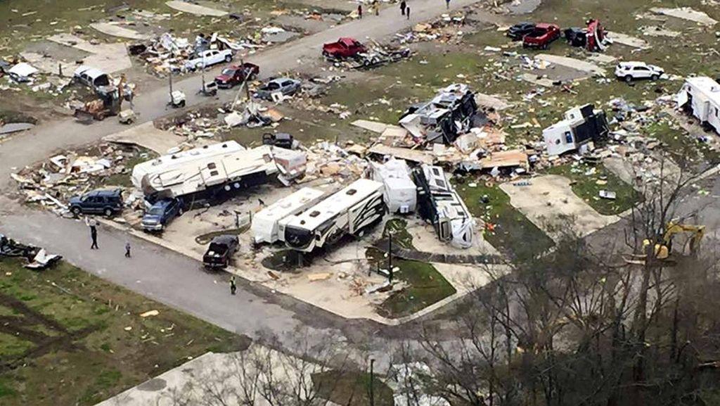 Begini Dampak Amukan Tornado di Louisiana