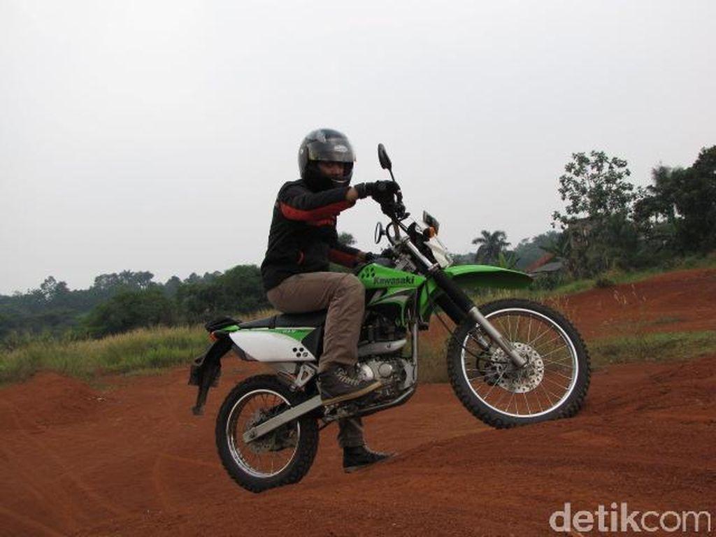 Tak Ada Lagi Ninja 2 Tak, KLX Series Jadi Andalan Kawasaki