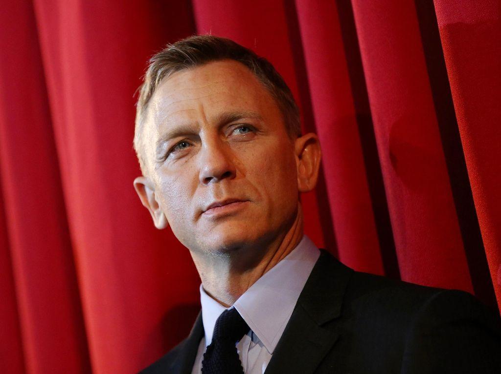 Kesialan yang Merundung Film James Bond