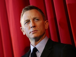 Daniel Craig Titip Pesan untuk Bintang James Bond Baru