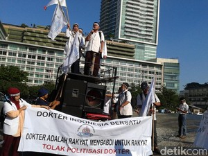 Tuntut Reformasi JKN, Ratusan Dokter Demo di Bundaran HI 29 Februari