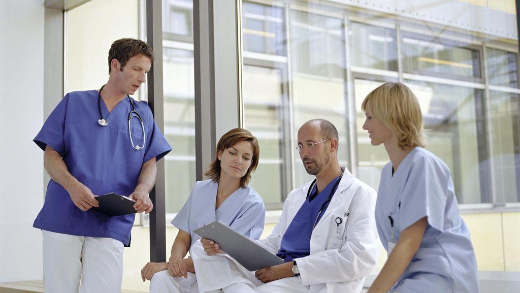 Antusias Kuliah Dokter Layanan Primer, Rumah Dekan Sampai Diketuk untuk Daftar