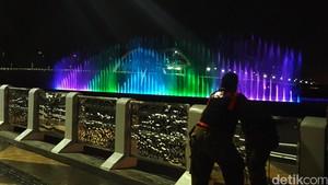 Liburan ke Surabaya, Jangan Lupa Nikmati Air Mancur Menari