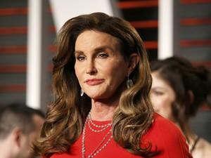 Pengakuan Caitlyn Jenner yang Suka Pakai Panties di Balik Jas