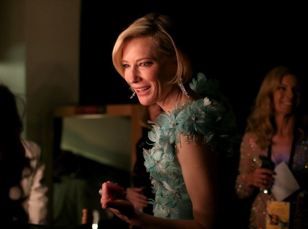 Hancurnya Palu Thor di Tangan Cate Blanchett