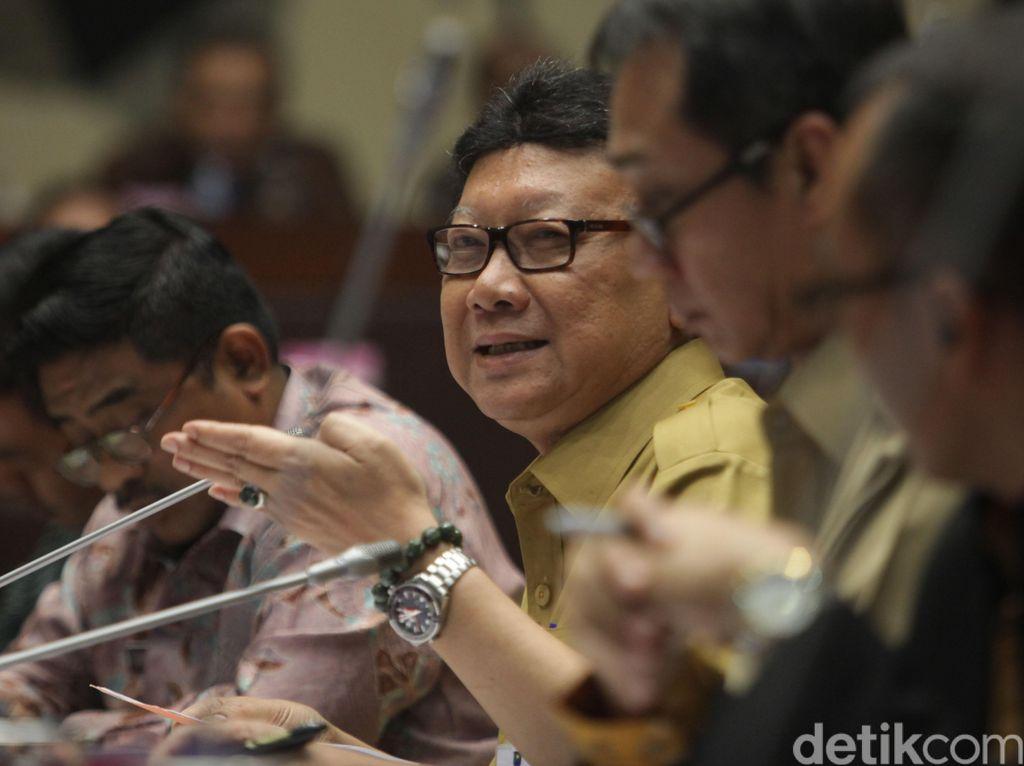 Mendagri Rapat Dengan Komisi II