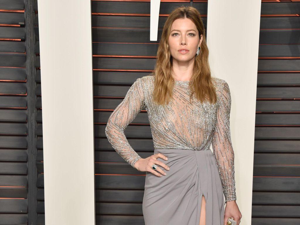 Jessica Biel Berpikir Dua Kali Beli Baju Mahal Sejak Punya Anak