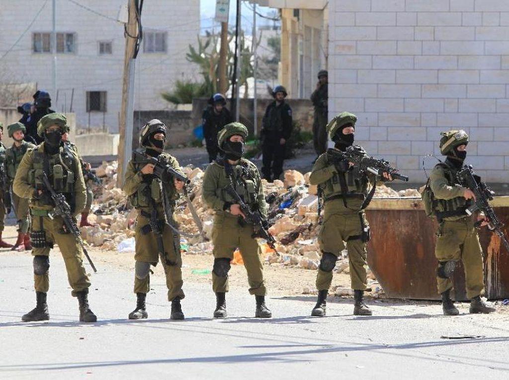 Tank Militer Israel Serang Hamas di Gaza