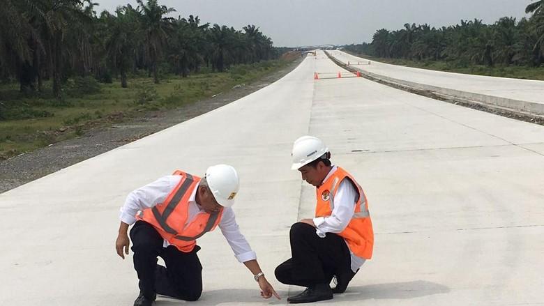 Jokowi Minta Pembangunan Tol Bocimi Dipercepat