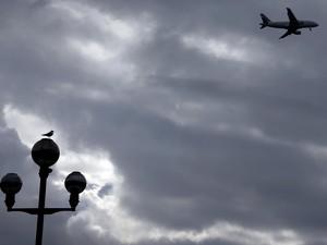 Cerita Dokter yang Selamatkan Penumpang Sakit di Pesawat