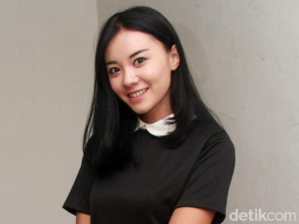 Aih, Senyuman Cleo eks JKT48 Manis Sekali