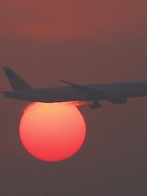 India Larang Penumpang Mengacau Terbang 3 Bulan Hingga Seumur Hidup