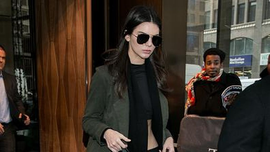 Ingin Tampil Ala Kendall Jenner dan Gigi Hadid? Anda Hanya Perlu 4 Item Ini