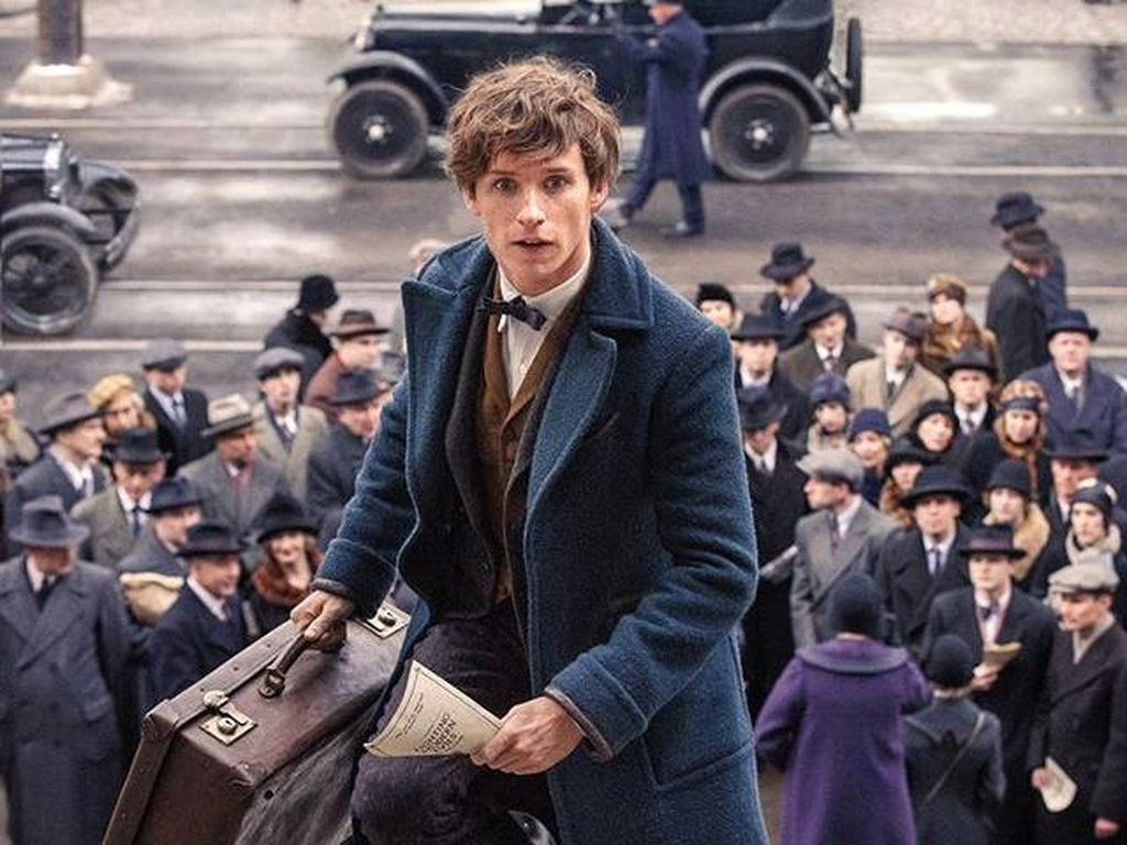 Eddie Redmayne Jinjing Tas Misterius di Trailer Lanjutan Spin-off Harry Potter