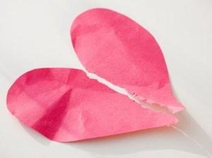 Patah Hati Bisa Picu Kerusakan Jantung yang Mematikan